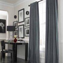 Бархатные шторы в кабинете