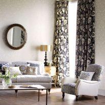 Классические шторы с цветочным узором
