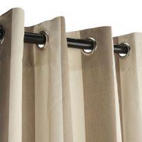 Полосатые шторы на люверсах