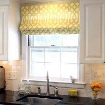 Римская штора на кухне
