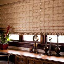 Римские шторы из пышной и плотной ткани