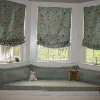 Римские шторы с лиственным узором
