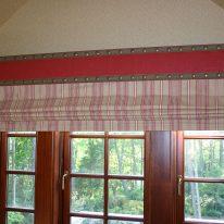 Римские шторы с жестким ламбрекеном