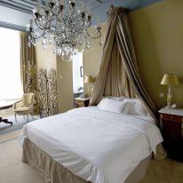 Шторы и балдахин для спальни