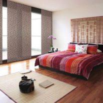 Японская штора в спальной комнате