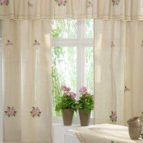 Занавески на маленькое окно