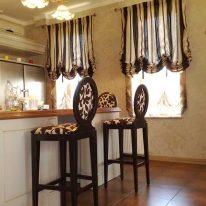 Австрійські штори на кухні