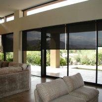 Чорні рулонні штори