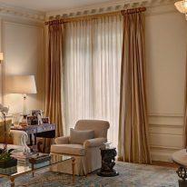 Класичні штори і тюль