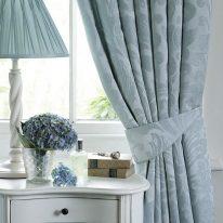 Класичні штори в скандинавському стилі