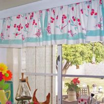 Маленькі штори для кухні