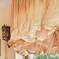 Однотонні австрійські штори