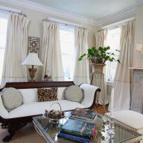 Пишні штори для вітальні