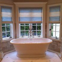 Римські штори у ванній